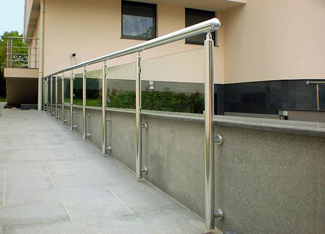 Aluminum railings with glass panels