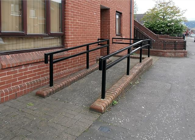 Steel railing with horizontal filling